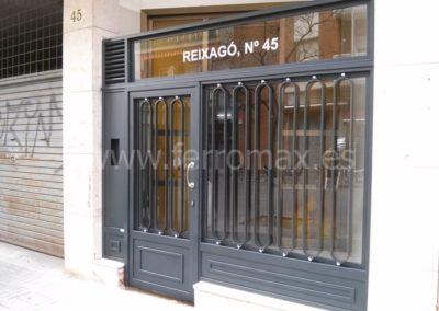 04 Puerta Comunidad Decorativa