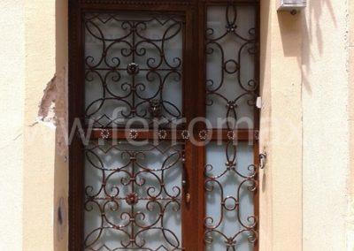 09 Puerta Comunidad Vintage