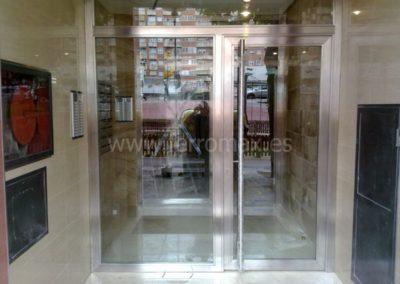 05 Puerta Edificio en Acero Inox