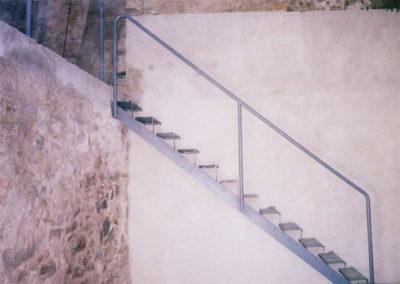 15 Escalera Metálica