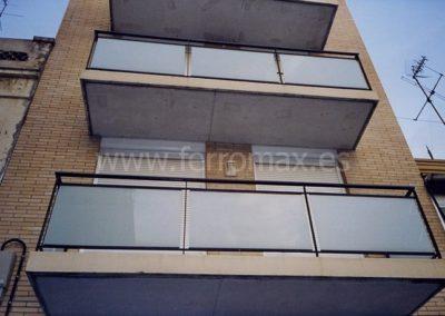 24 Barandillas acristaladas para balcones