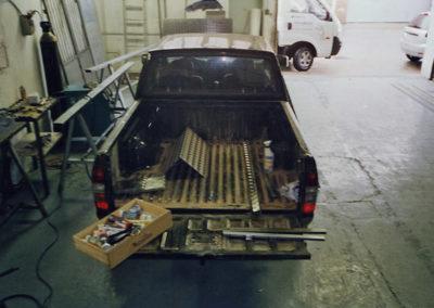 31 Preparado para forrar en chapa maletero pick-up
