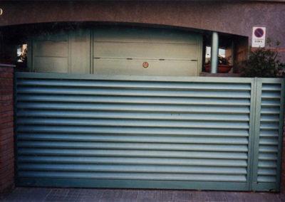 45 Puerta Garaje para Vehículos en Acero Inox