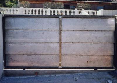 46 Puerta Garaje Exterior para vehículos en Acero Inox