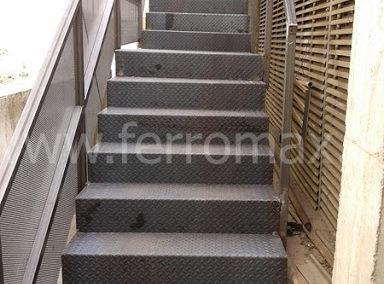 Escalera en Chapa Metálica