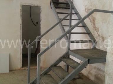 Escalera Metálica 4