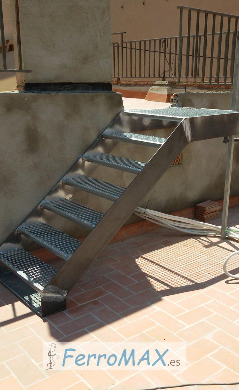 Escalera Metálica sin Baranda