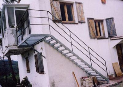 Escalera Metálica 2