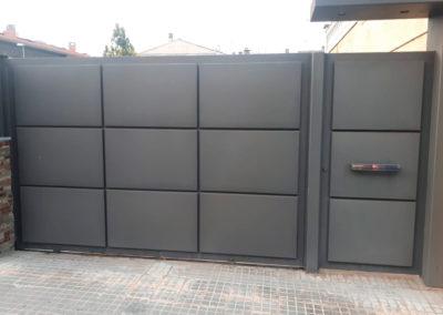 puerta exterior para finca y acceso personas