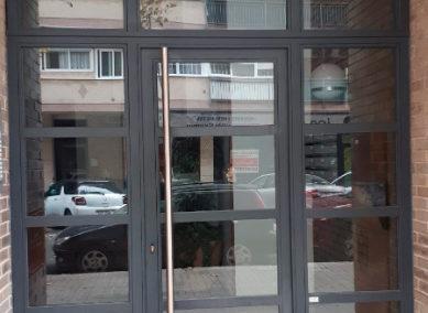 92 puerta metálica para comunidad
